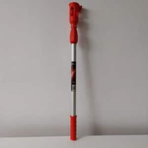 foto de alargo metálico rojo extensible para rodillo 1m