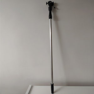 foto de alargo metálico negro extensible para rodillo 2m