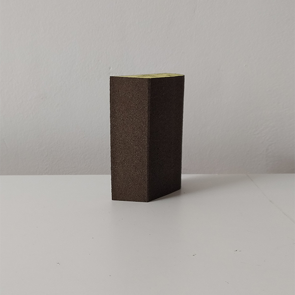 foto 2 de taco de lija trapezoidal 70x99mm